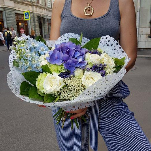Букет бело-голубой: букеты цветов на заказ Flowwow
