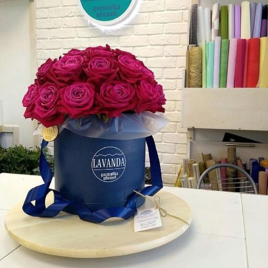 "Шляпная Коробка ""Шангри Ла"" с розами"