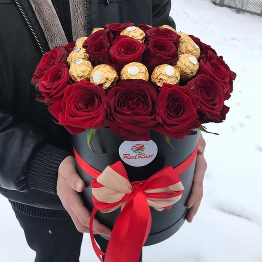 Конфеты с розами в шляпной коробочке