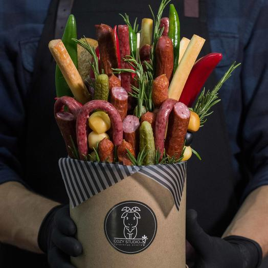 Мужской букет из колбасы 12: букеты цветов на заказ Flowwow