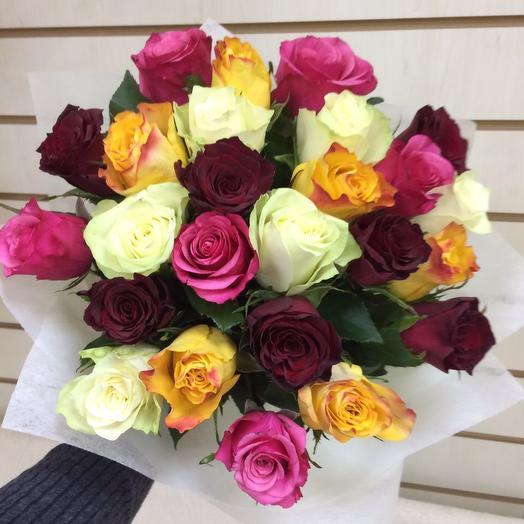 Разноцветная классика: букеты цветов на заказ Flowwow