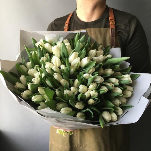 Охапка тюльпанов: букеты цветов на заказ Flowwow