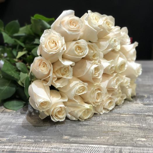 25 белых роз 50 см (Эквадор): букеты цветов на заказ Flowwow