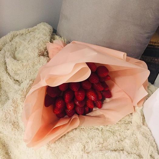 Букет из клубники -2: букеты цветов на заказ Flowwow