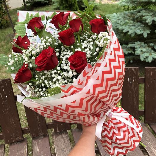 9 красных роз с оформлением: букеты цветов на заказ Flowwow