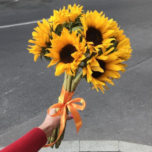 Солнечные подсолнухи для любимой: букеты цветов на заказ Flowwow