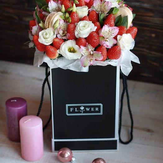 Клубничный шейк: букеты цветов на заказ Flowwow