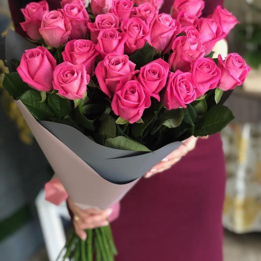 31 розовая роза: букеты цветов на заказ Flowwow