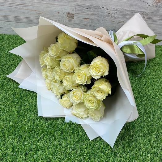 Букет из 19 белых роз (40 см )