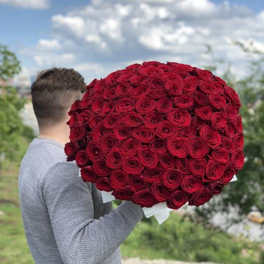 101 Роза Red Naomi