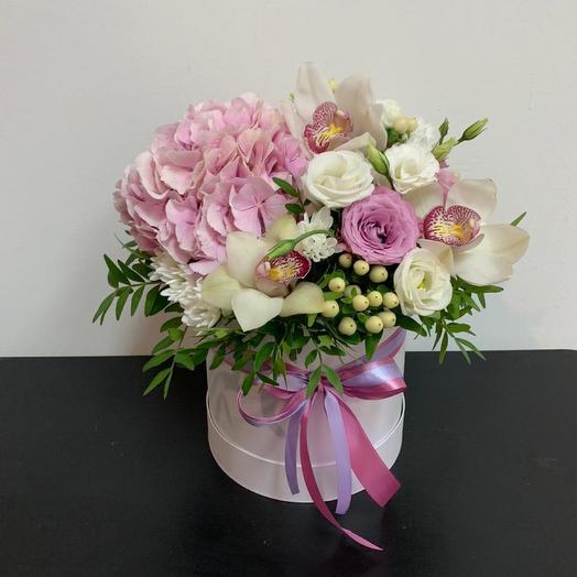 Авторская коробка с розовой гортензией