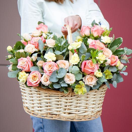 "Корзина с цветами ""Мисс Пигги"""