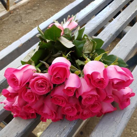 Букет из 25 розовых роз на ленте