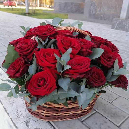 25 роз с шармом