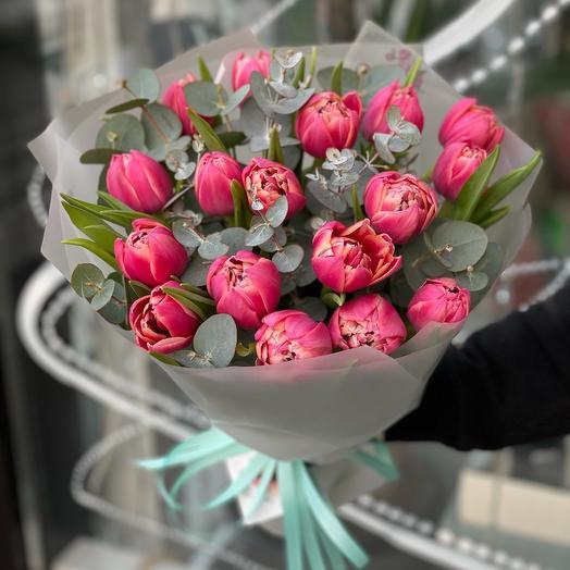 Букет из 17 пионовидных тюльпанов