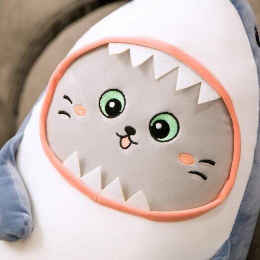 """Мягкая игрушка """"Кот в костюме акулы"""" 55 см"""