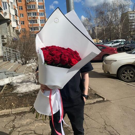 Букет из 31 Розы Ред Наоми