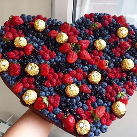 Букет ягодный «лукошко»