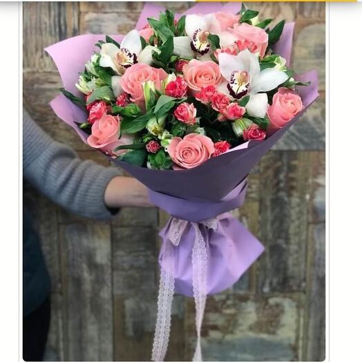 Букет из роз и орхидеи 💜