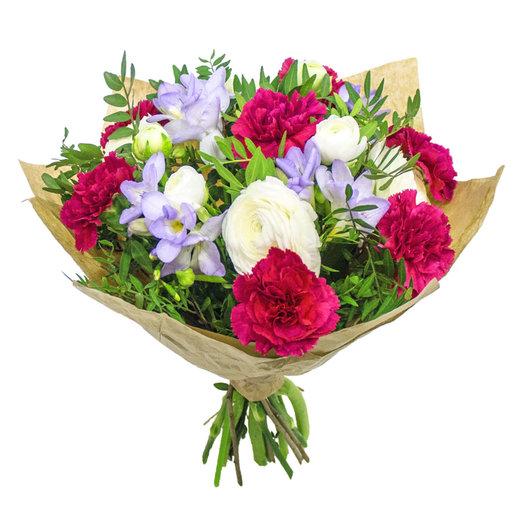 Гвоздика и ранункулюс: букеты цветов на заказ Flowwow