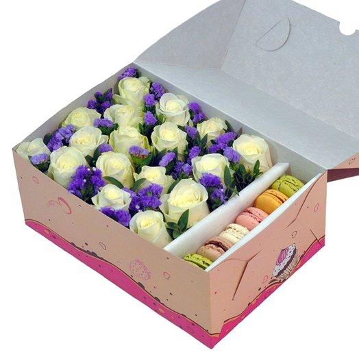 Коробка Snowhite: букеты цветов на заказ Flowwow