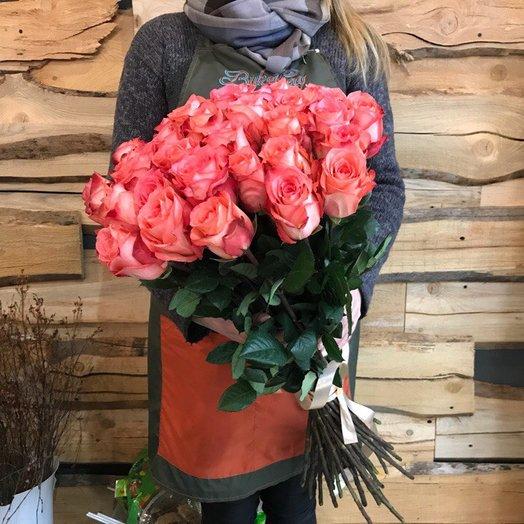 Букет коралловых роз: букеты цветов на заказ Flowwow