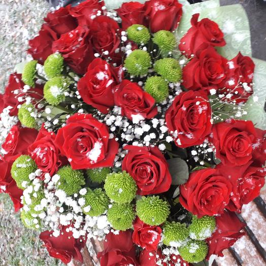 Букет из 31 розы премиум класса с хризантемой: букеты цветов на заказ Flowwow