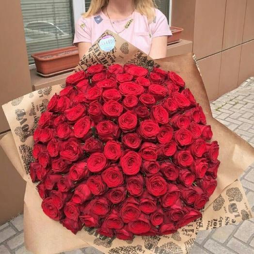 Огромный букет красных роз 101 шт