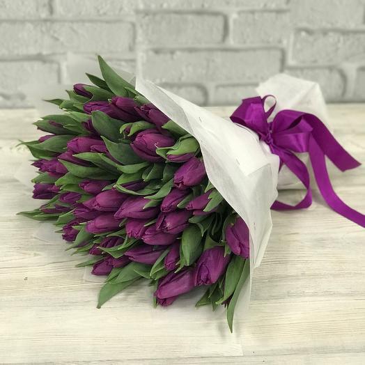 Букет из фиолетовых тюльпанов 49 шт N253: букеты цветов на заказ Flowwow