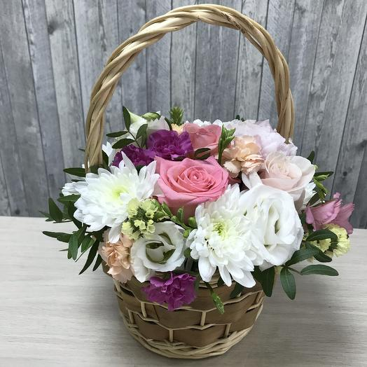 Композиция в корзинке с цветами микс: букеты цветов на заказ Flowwow