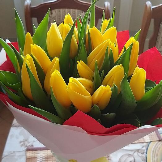 Букет солнечных тюльпанов: букеты цветов на заказ Flowwow