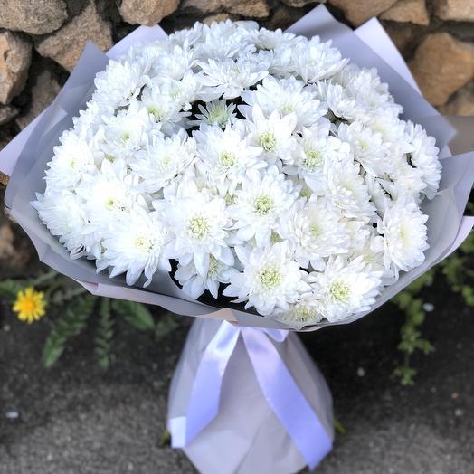 Букет белоснежных хризантем