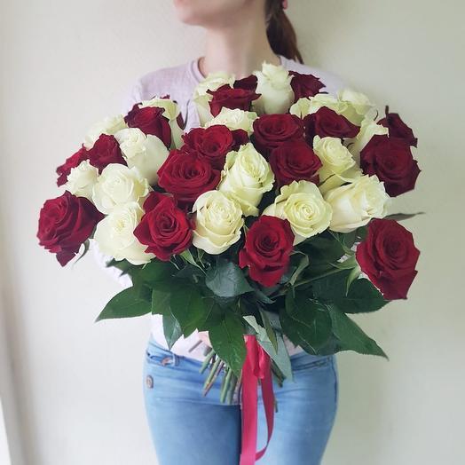Красное-белое: букеты цветов на заказ Flowwow