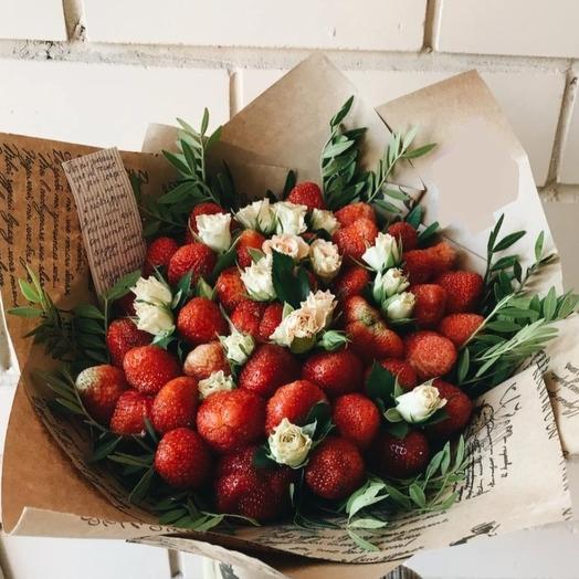 """Клубничный букет """" Цветочный сад"""": букеты цветов на заказ Flowwow"""