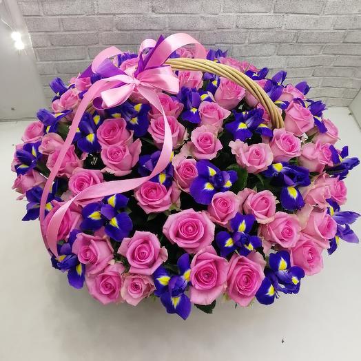 Ирис с розами: букеты цветов на заказ Flowwow