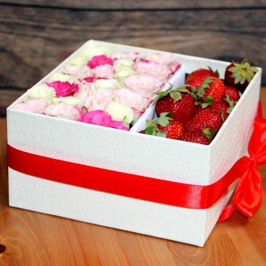 Коробочка с клубничкой: букеты цветов на заказ Flowwow