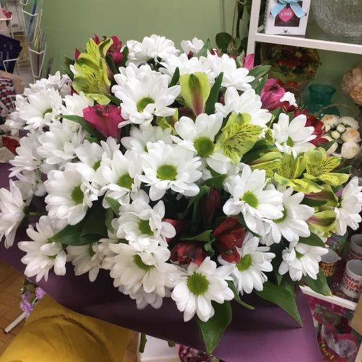 Букет с хризантемой и альстромерию: букеты цветов на заказ Flowwow
