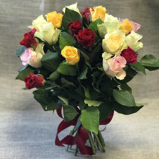 Европейский букетик из 25 кенийских роз🌹: букеты цветов на заказ Flowwow