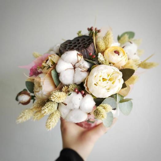 Коробочка с сухоцветами