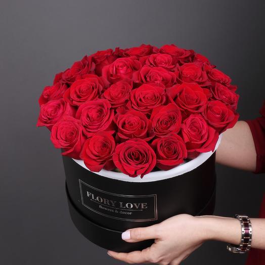 29 роз Фридом в шляпной коробке Эквадор