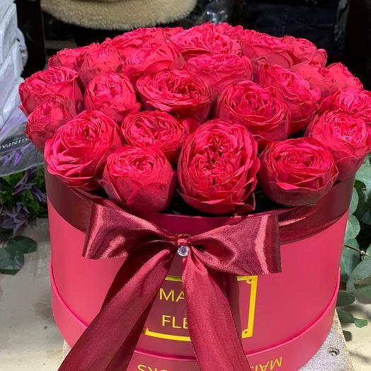 Пионовидные Розы дэвида Остина в шляпной коробке 51 Шт: букеты цветов на заказ Flowwow