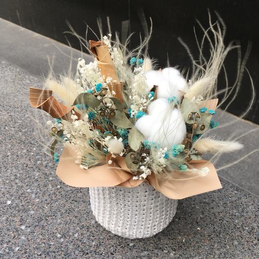 Вязаное кашпо с сухоцветами 3: букеты цветов на заказ Flowwow