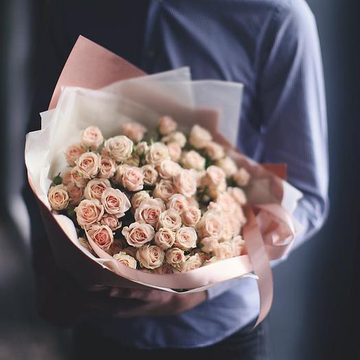 Букет из чайных кустовых роз Яна, 19 шт