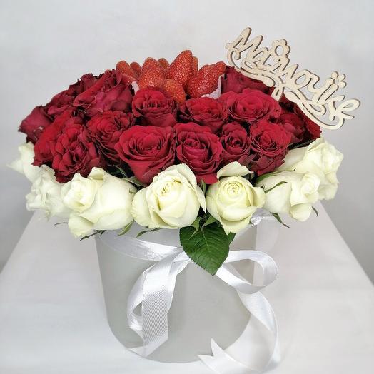Шляпная коробка с Розами и Клубникой для Мамы (День Матери)