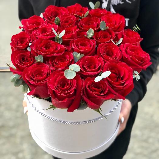 Розы в коробке (красные)