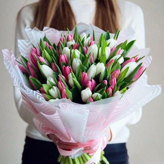 Моно букет из 51 тюльпана