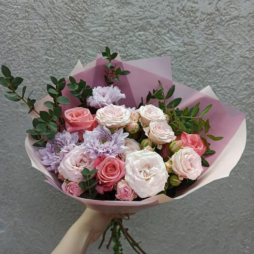 Букет с пионовидной розой и ассорти цветов