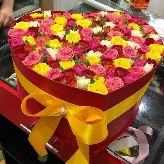 Сердце из кустовых роз: букеты цветов на заказ Flowwow