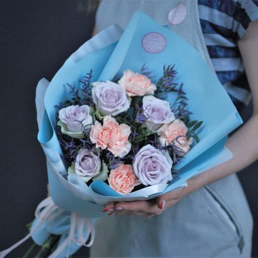Букет-комплимент: сиреневые розы и диантус: букеты цветов на заказ Flowwow