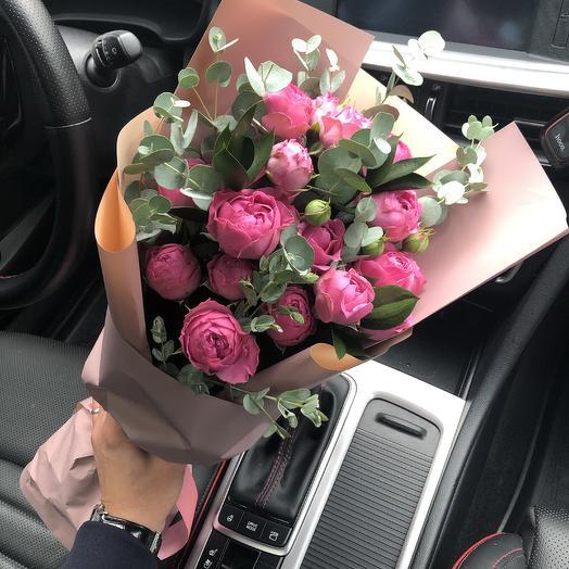 Букет роз Мисти баблз с эвкалиптом. N621